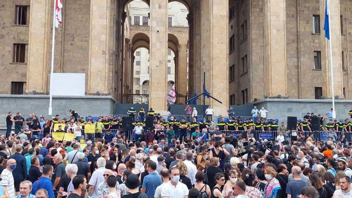 У Грузії протести через смерть журналіста: вимагають відставки уряду