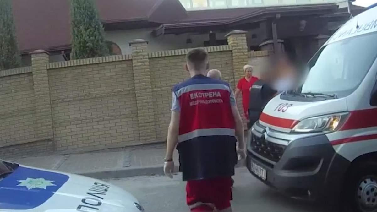 У Києві врятували дівчинку, яка ледь не потонула в басейні: відео
