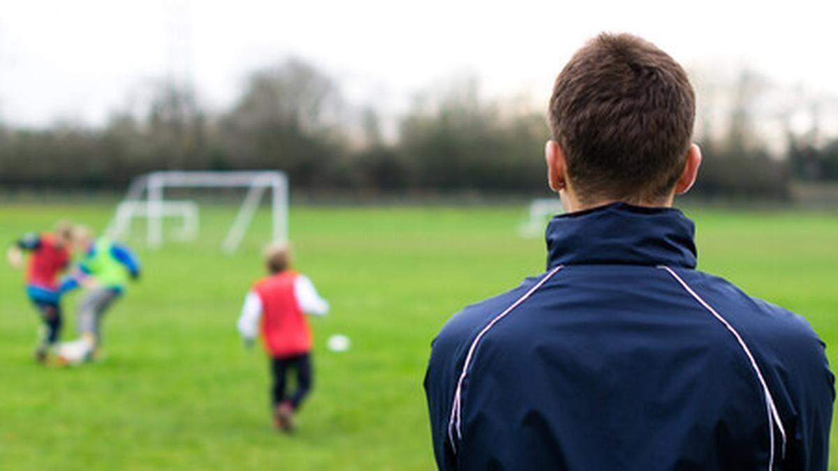Футбольный тренер из Киева развращал несовершеннолетнего