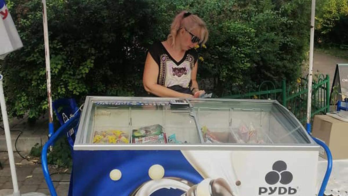 У Києві продавці морозива відмовились обслуговувати українською