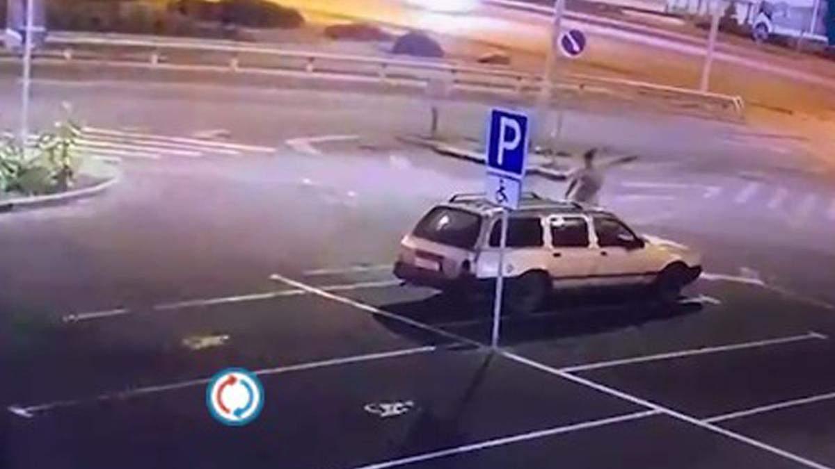 Угнал авто и уснул на заднем сиденье: в Киеве задержали вора