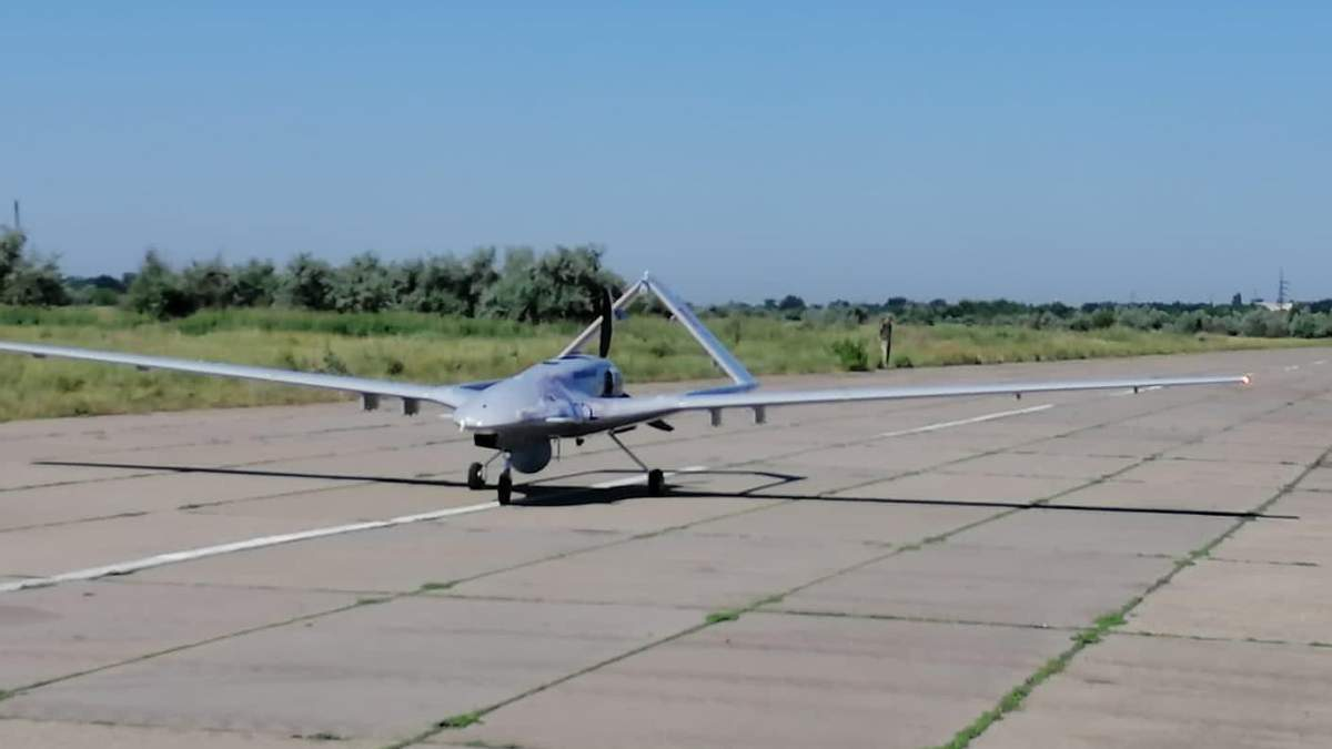 Перший в Україні: ВМС отримали ударний безпілотник із Туреччини