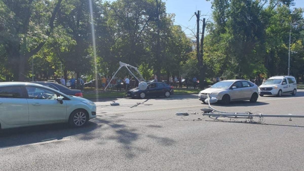 Военный вертолет США совершил аварийную посадку в Бухаресте