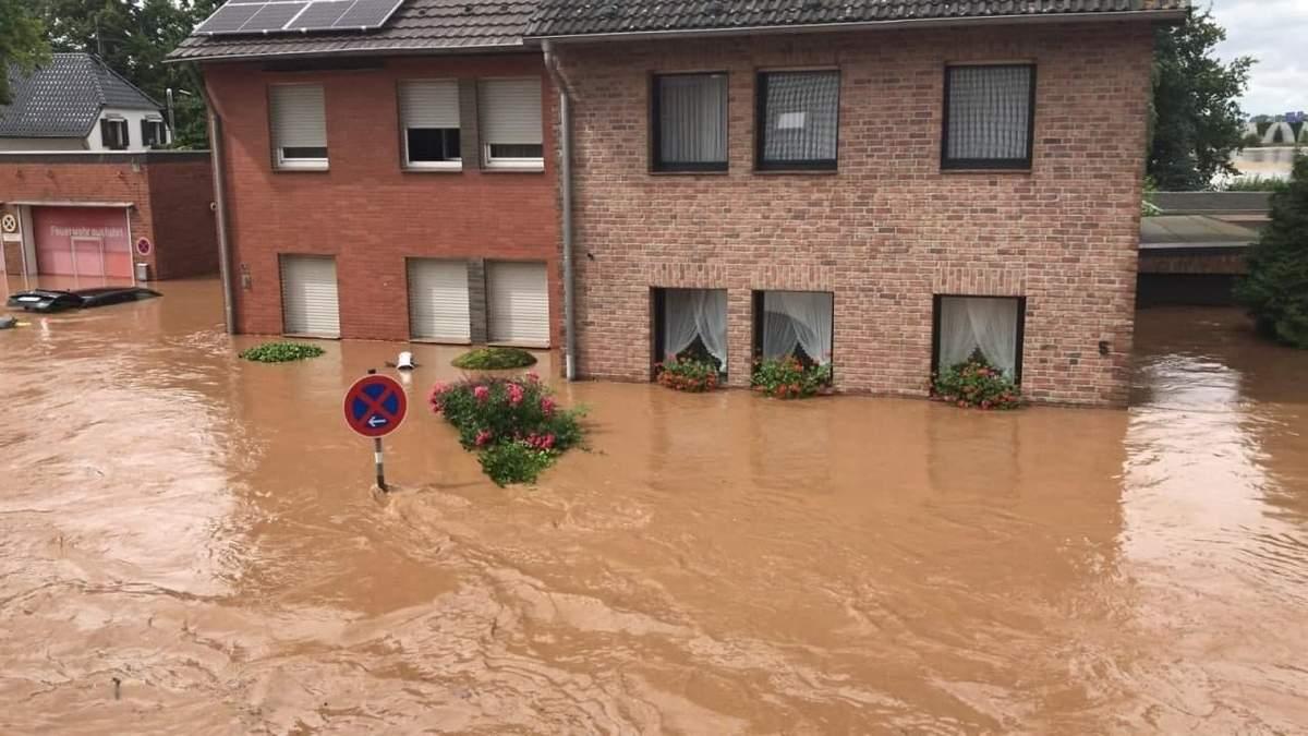 Наводнения в Германии унесли жизни более 40 человек фото, видео