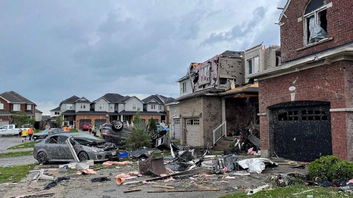 Біля Торонто пронісся потужний торнадо 15 липня 2021: є постраждалі