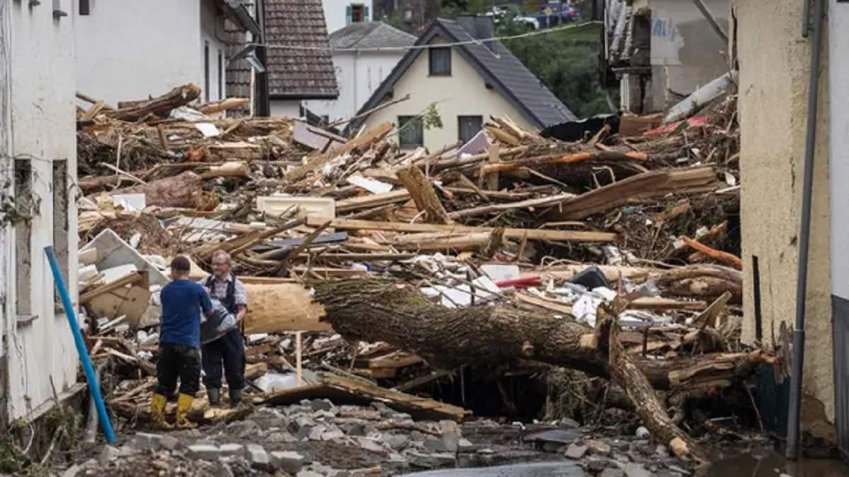 Повінь у Німеччині: кількість жертв зросла до 81, реакція Меркель