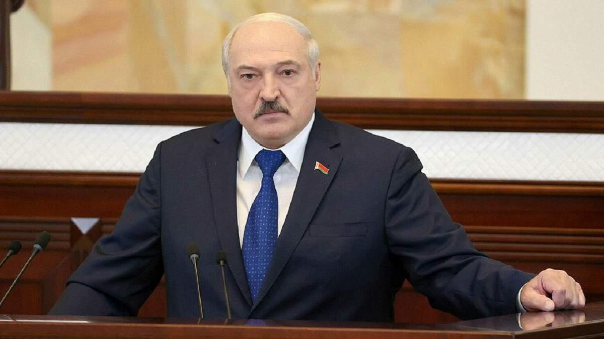 Лукашенко дозволив залучати у боротьбу з протестами