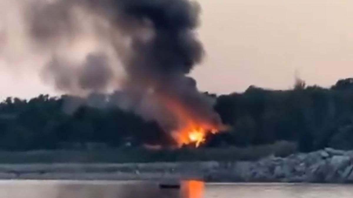 В Черноморске произошел пожар на базе отдыха Дельфин: что известно – видео