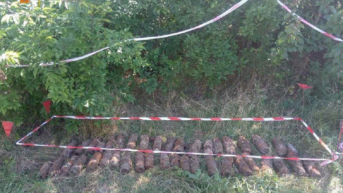 На будмайданчику в Миколаєві рятувальники знайшли понад 150 снарядів