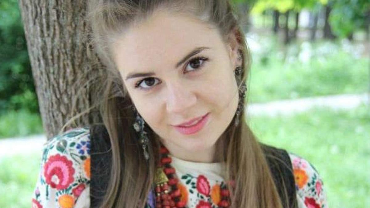 У Києві дівчину не взяли на роботу, бо вона розмовляє українською