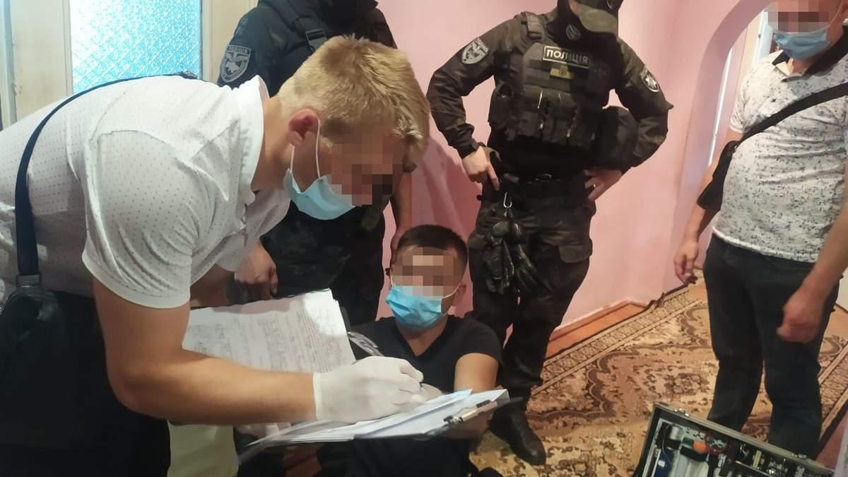 Пришел в гости и зарезал хозяина: на Львовщине задержали злоумышленника - фото и видео