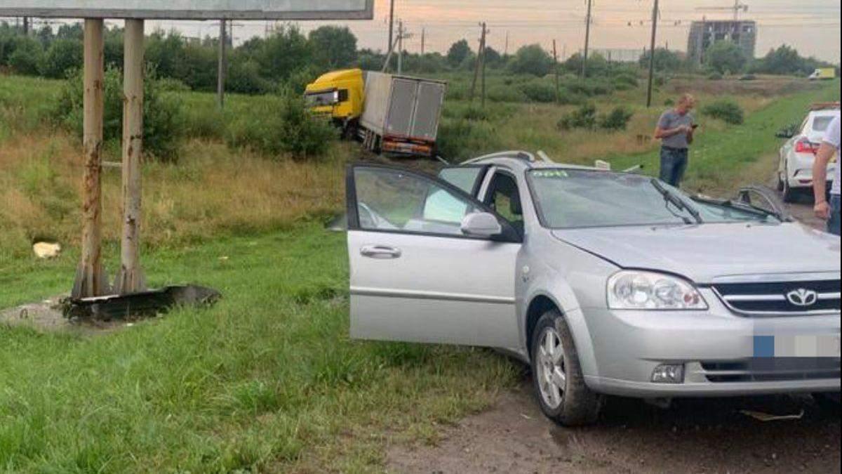 Под Львовом произошла тройная ДТП: погиб 2-летний ребенок - фото