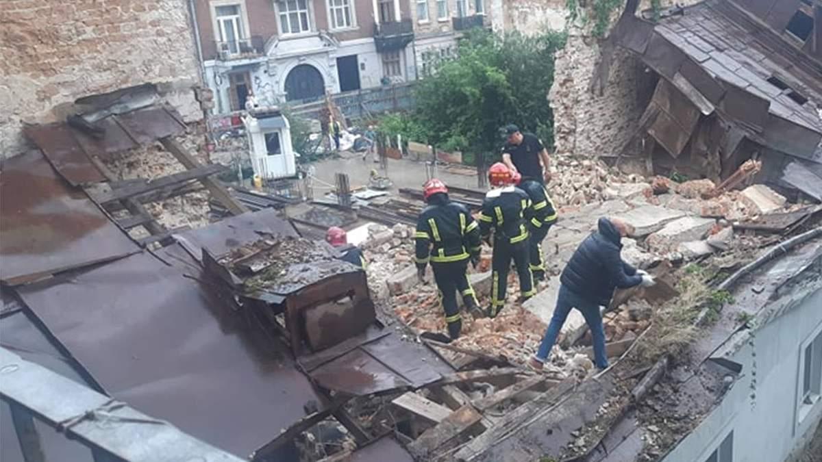 Обвал будинку у центрі Львова: загинув молодий хлопець