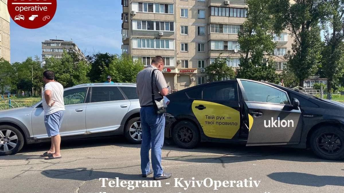 В Киеве таксист Uklon вызвал серьезное ДТП