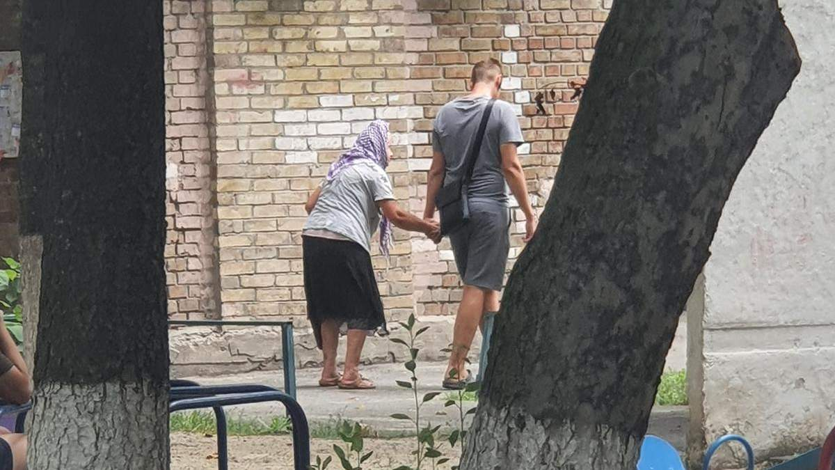 Кияни скаржаться на бабцю-аферистку, яка орудує у центрі