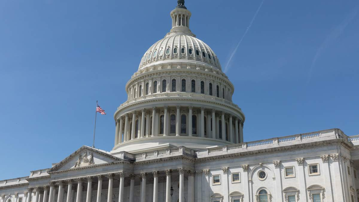 Конгрессмены просят изменить дату визита президента Украины в США
