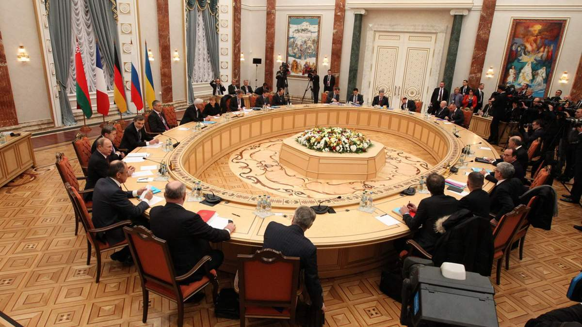 Россия предлагает восстановить встречи ТКГ в Минске