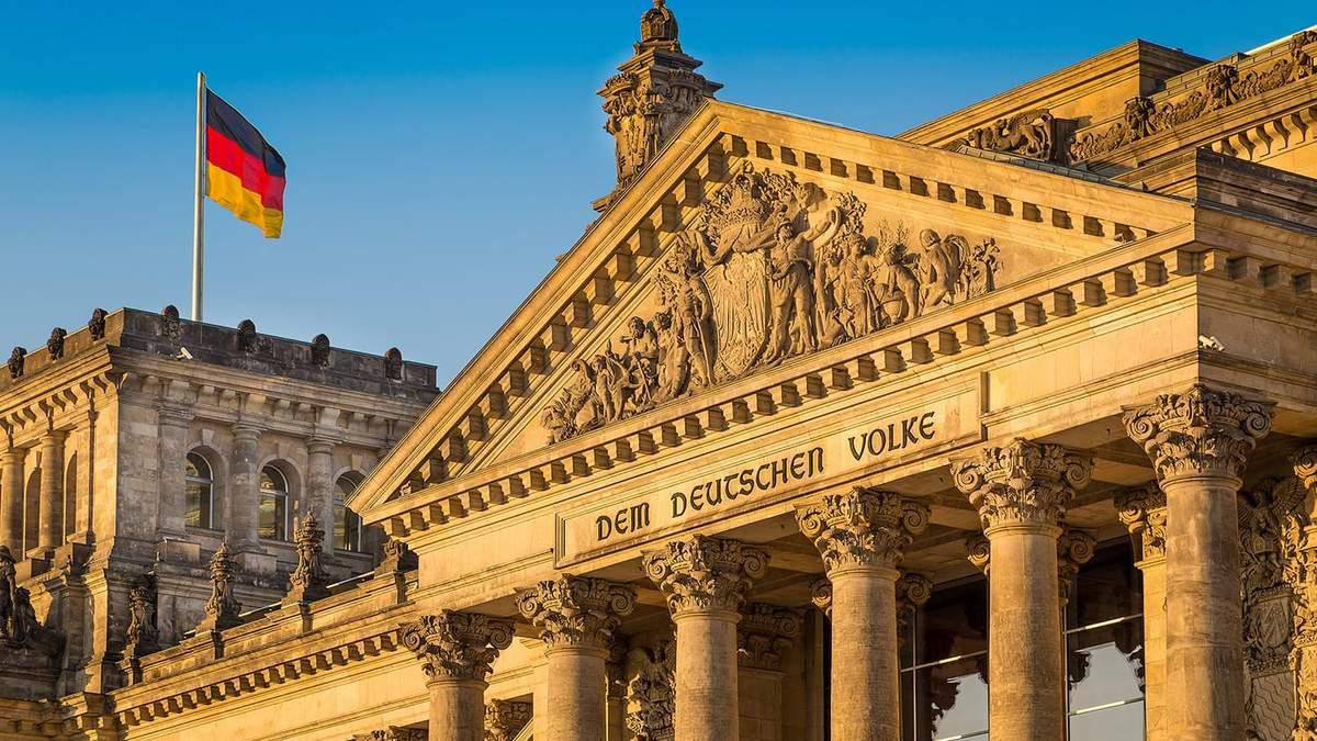 Германия обязалась возобновить переговоры по Донбассе