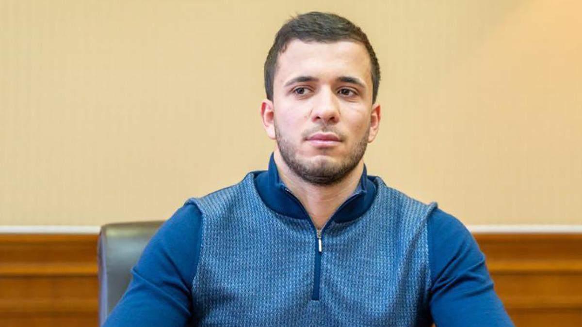 Син екскандидата в мери Дніпра Загіда Краснова поїхав у Москву: відео