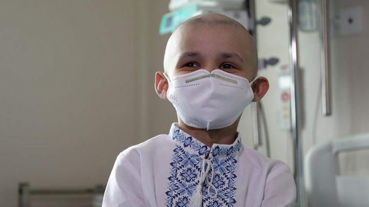 У Києві поліція здійснила мрію хлопчика, якого виписали з лікарні