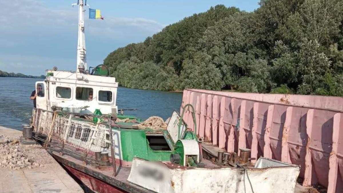 Румунське судно незаконно порушило кордон України