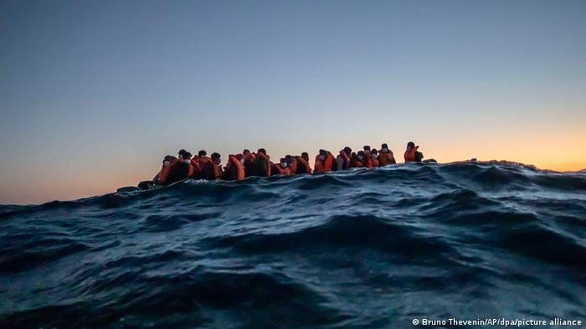 Біля берегів Туреччини потонув човен з 45 людьми: частину врятували