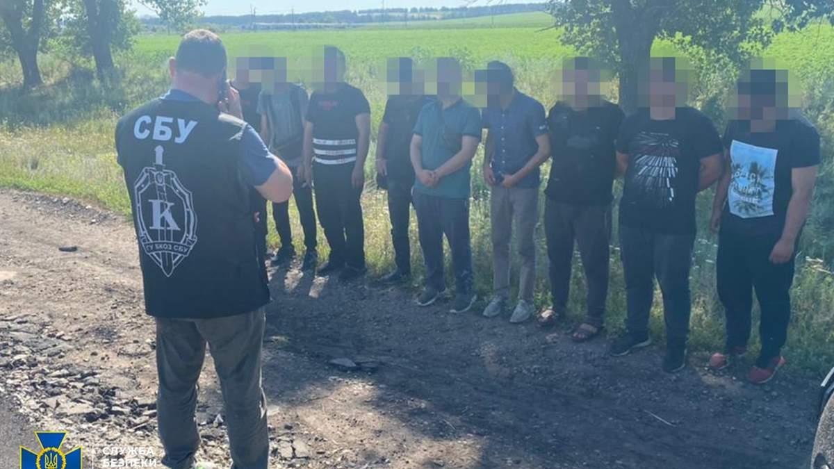 СБУ задержала афганцев-нелегалов, которые направлялись в ЕС: фото