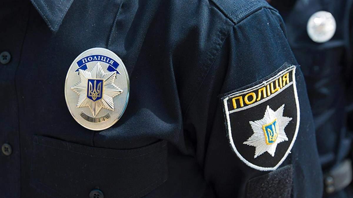 В Киеве задержали мужчину, который бросался на прохожих с ножом