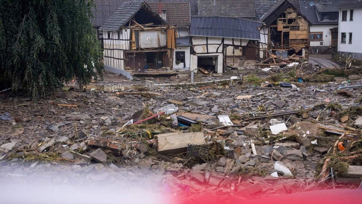 Число жертв наводнения в Германии достигла 175