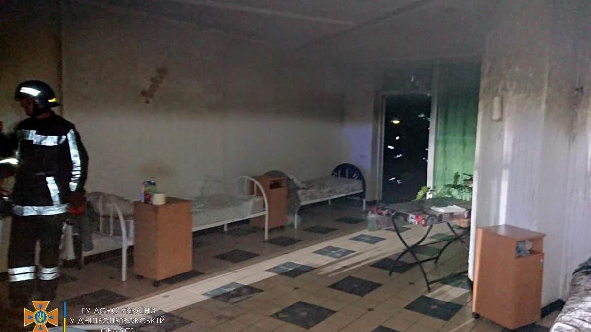 У Кривому Розі горів будинок престарілих 24.07.2021: фото, відео