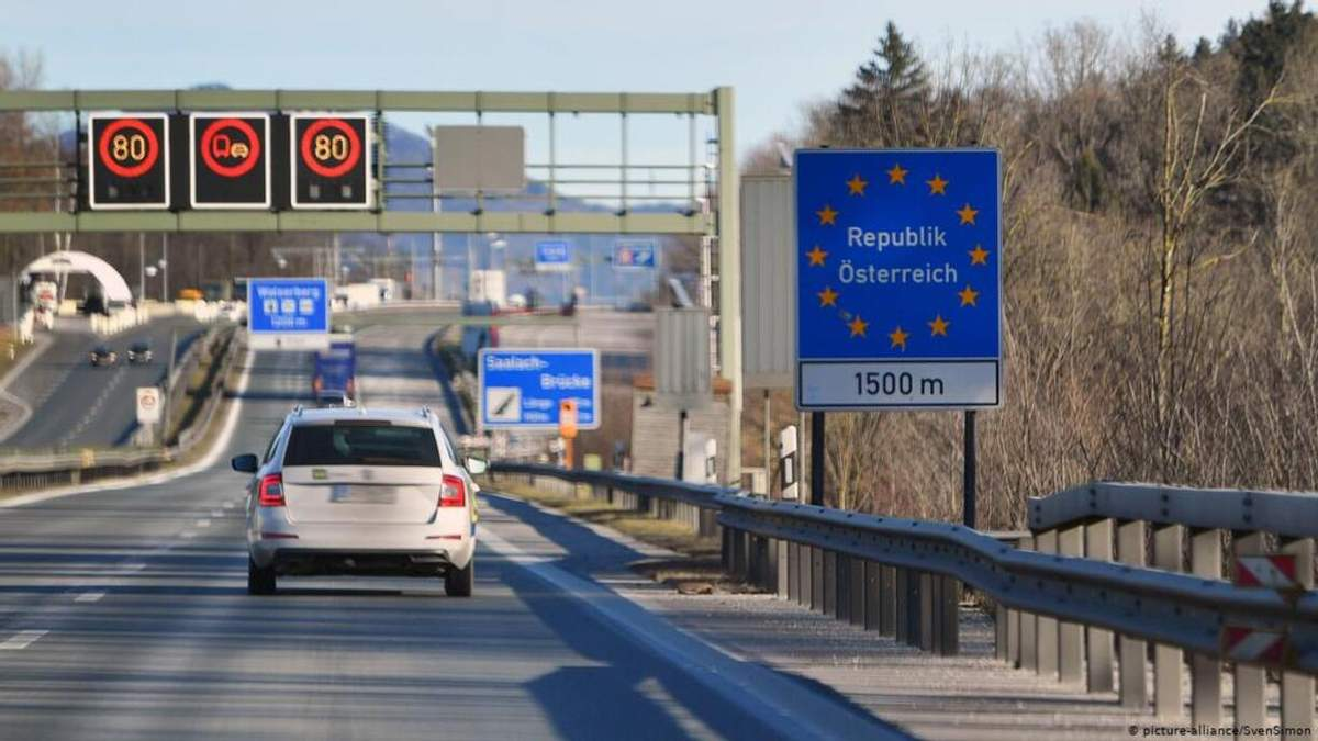 Австрия усилит охрану границ военными из-за нелегалов
