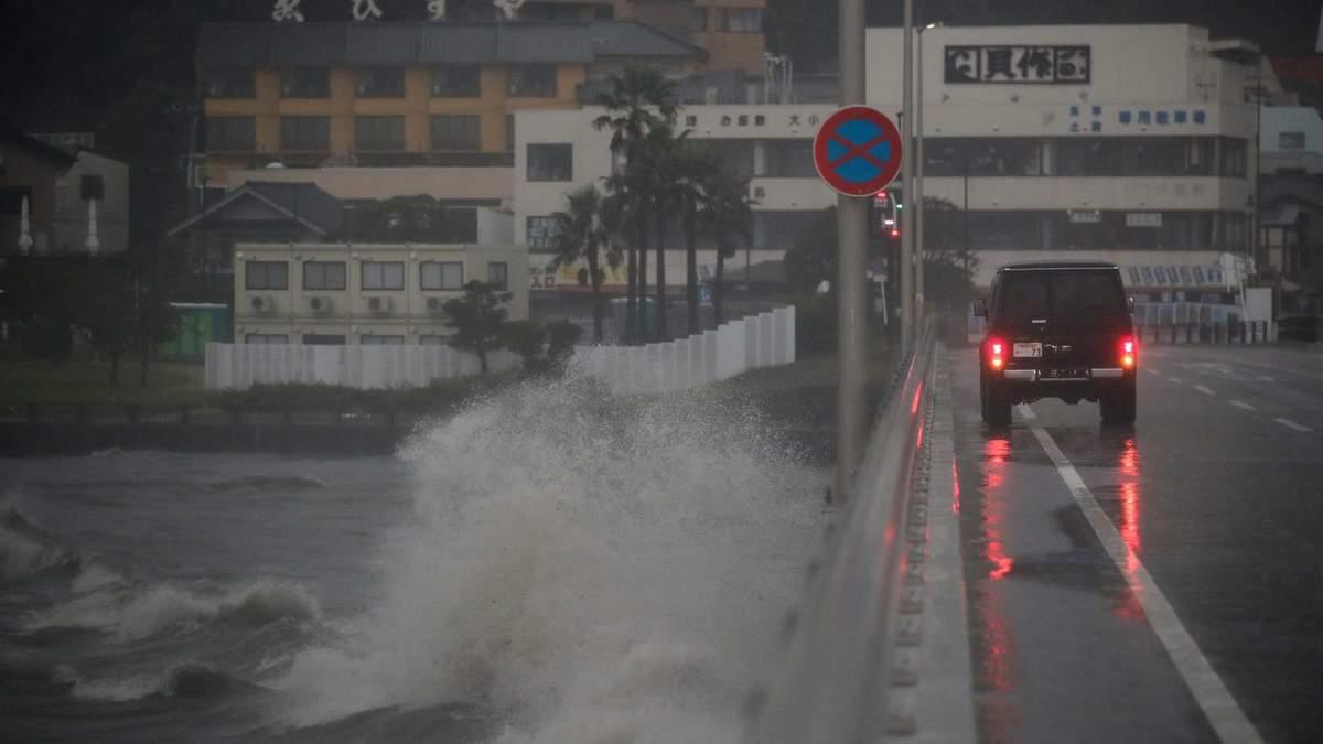 На Токио надвигается мощный тайфун: когда ударит непогода