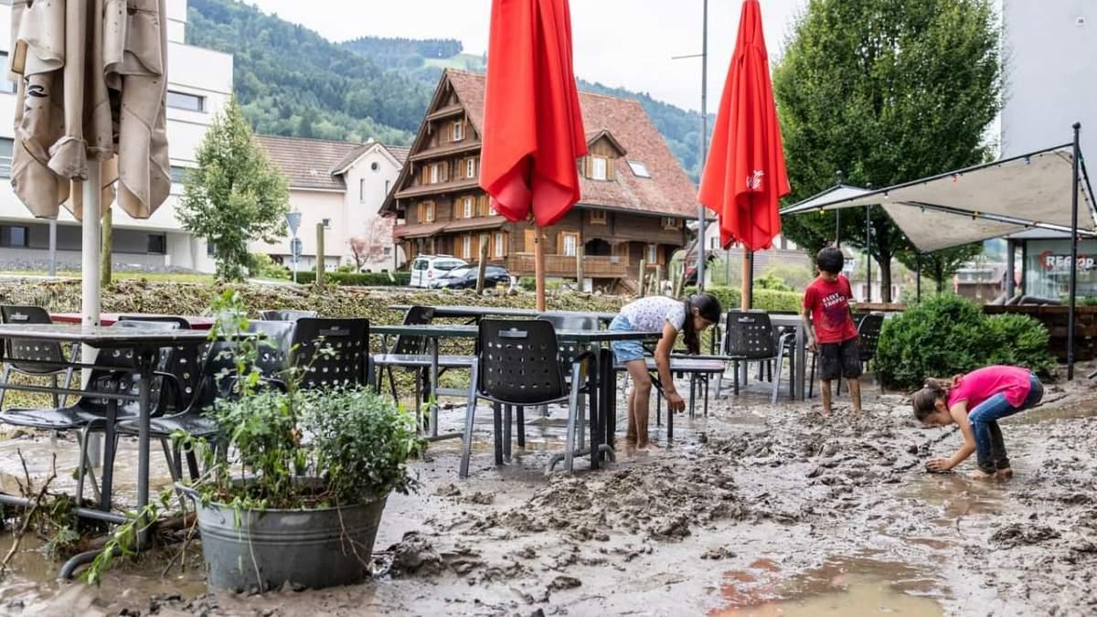 Купи багнюки і сміття: Швейцарію сильно затопило вслід за Бельгією – відео, фото - 24 Канал