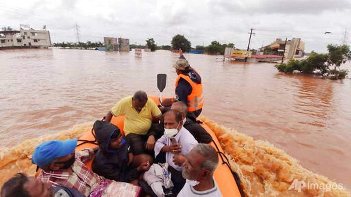 Индия снова накрыли проливные дожди: 159 человек погибли