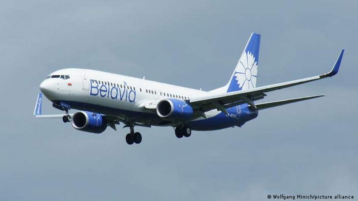 Літак Belavia, який подав сигнал лиха, приземлився на 1 двигуні