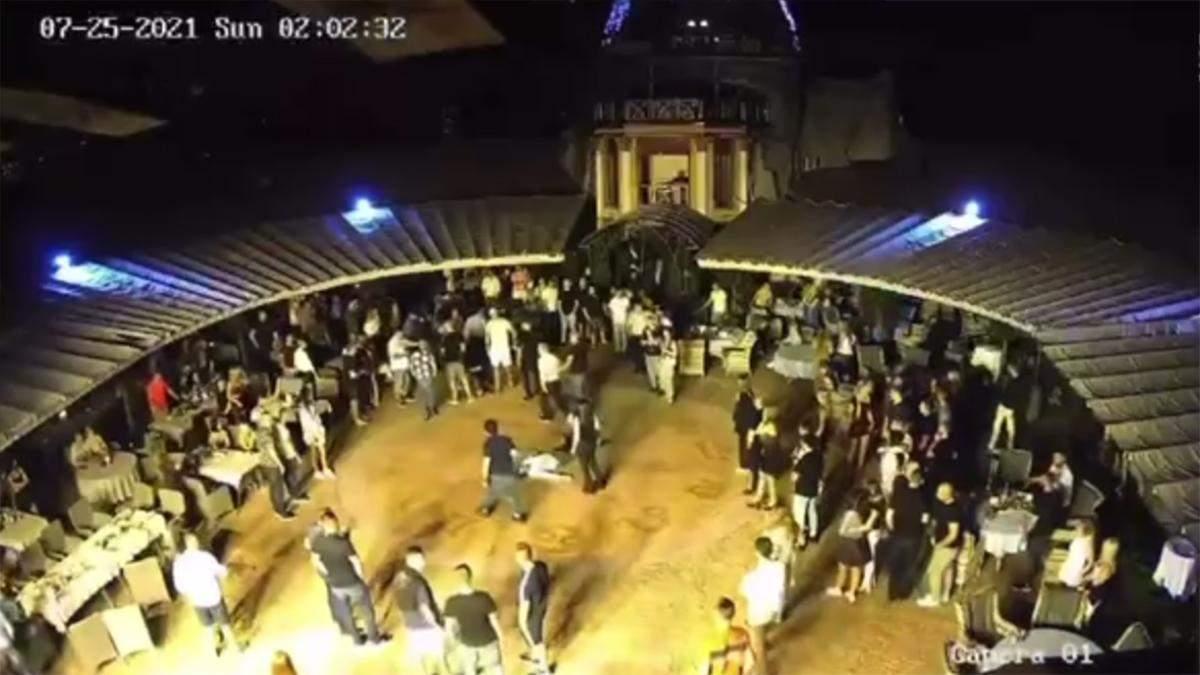 Бійка в  нічному клубі Bartolomeo в Дніпрі: відео