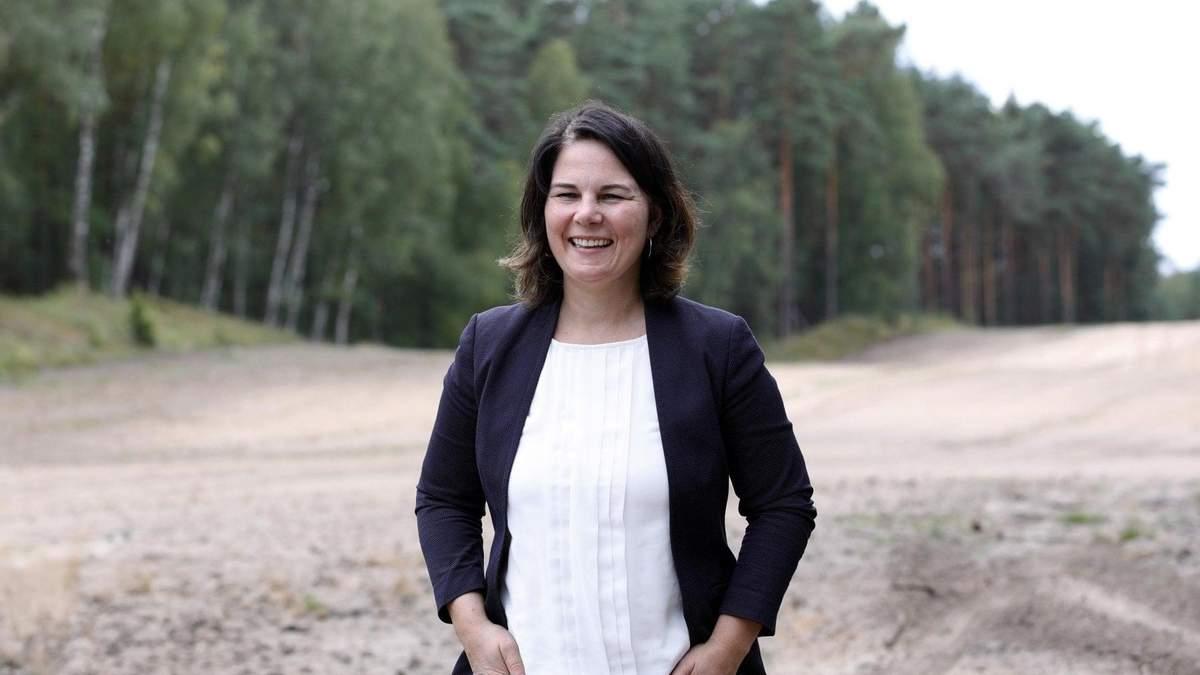 Кандидат в канцлеры Германии извинилась за слово негр в интервью