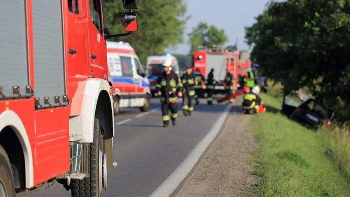 У Польщі арештували водійку, яка влетіла в автобус з українцями