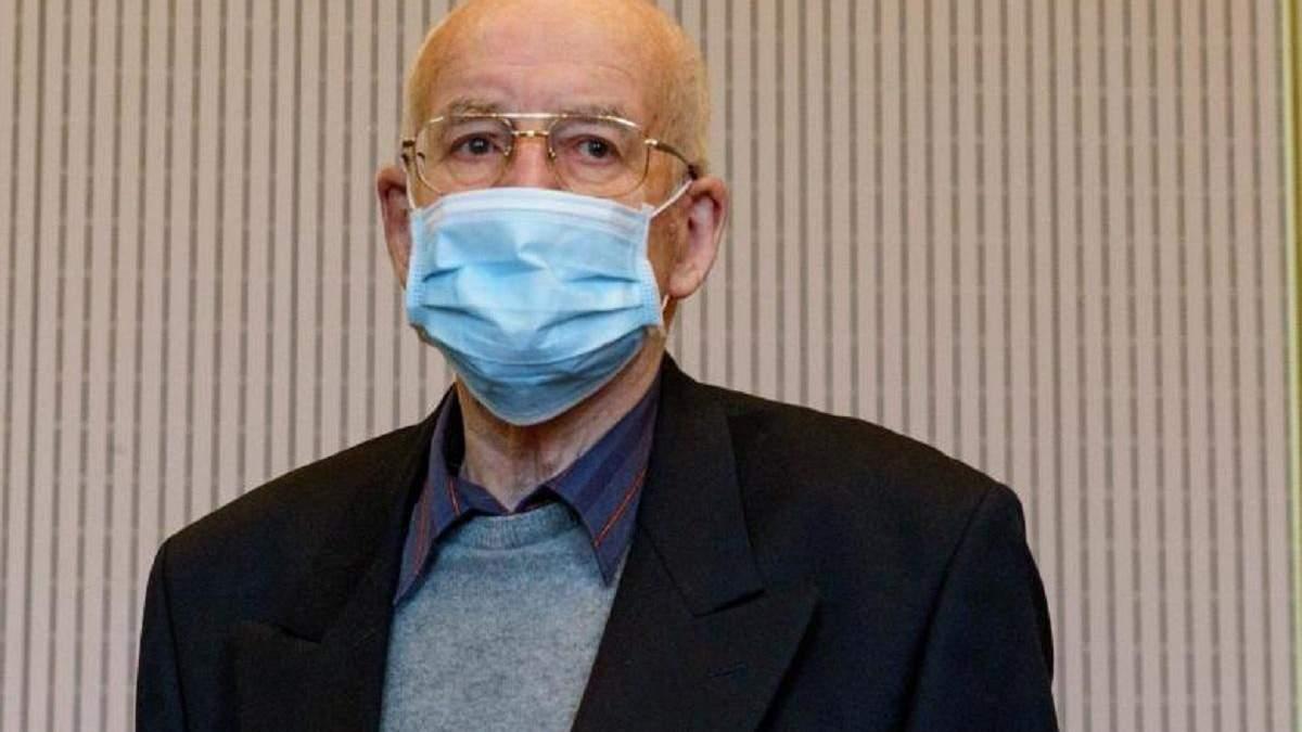 Судить 84-летнего: пенсионер прятал в подвале танк Второй мировой