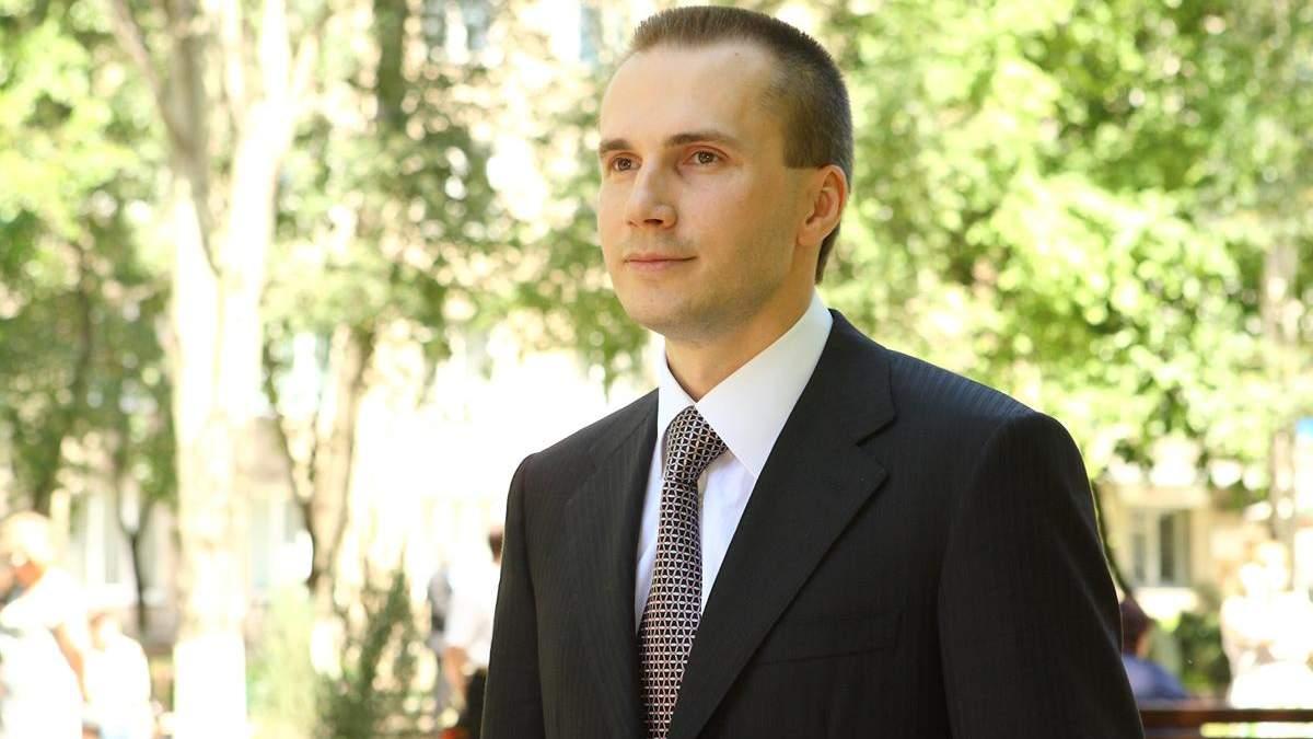 Молодший Янукович поскаржився Венедіктовій на її прокурорів