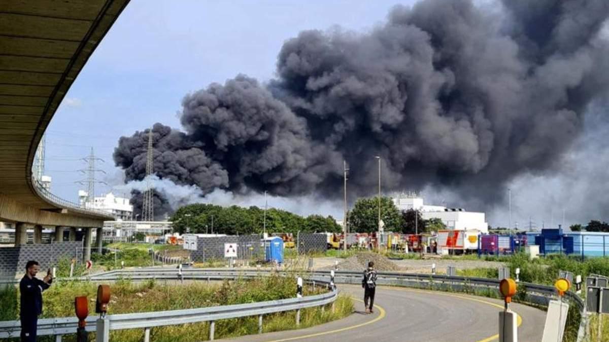 Взрыв на химзаводе в Германии: пострадало 16 человек, 1 погибший