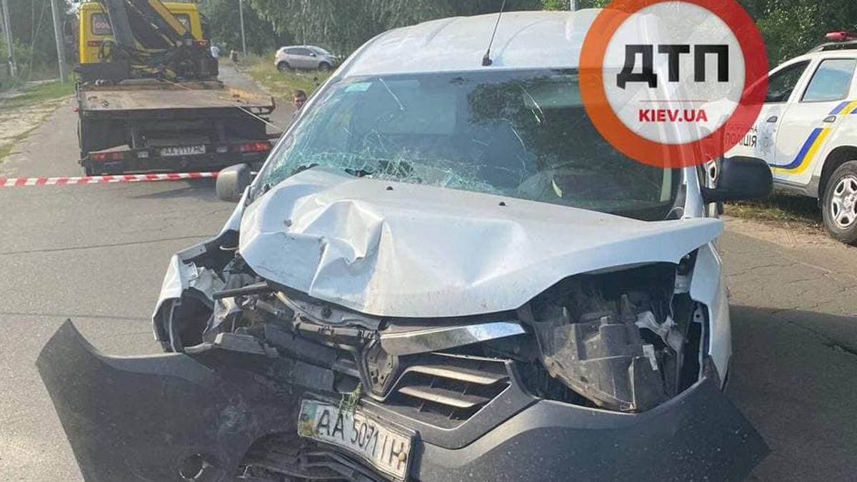 В Киевской области пьяный водитель врезался в столб