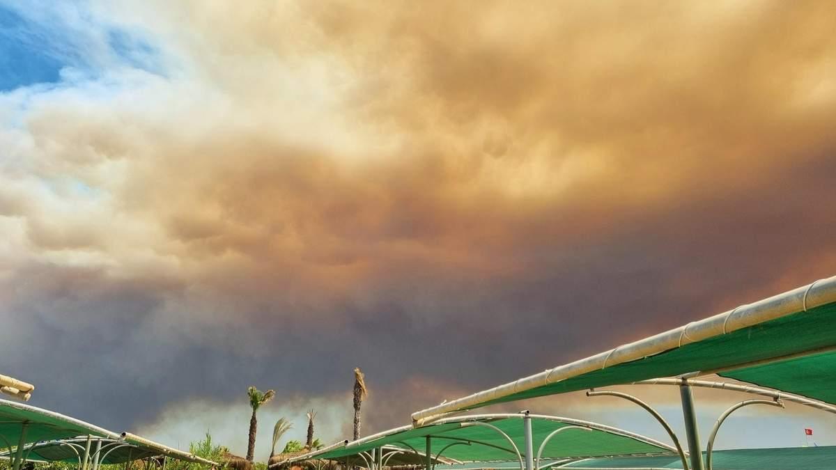 Українська туристка розповіла про ситуацію з пожежами в Анталії