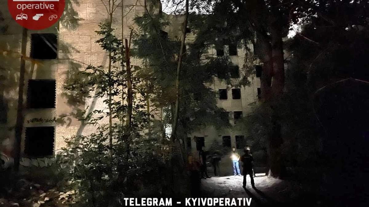 В Киеве парень подорвал себя в недостроенной психушке