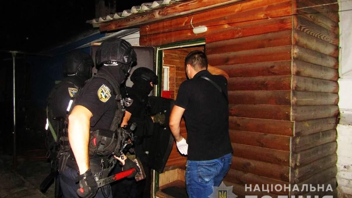У Чернігові поліція арештувала чоловіка, що хотів зґвалтувати дитину