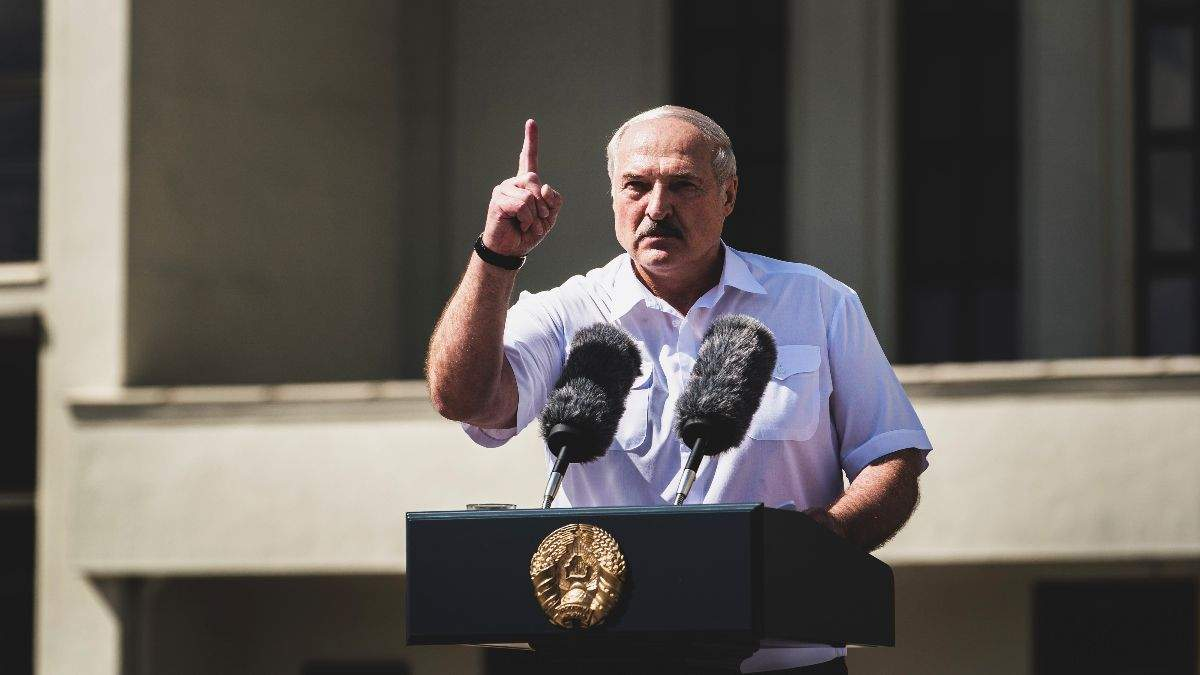 Лукашенко назвал условие размещения российских войск в Беларуси