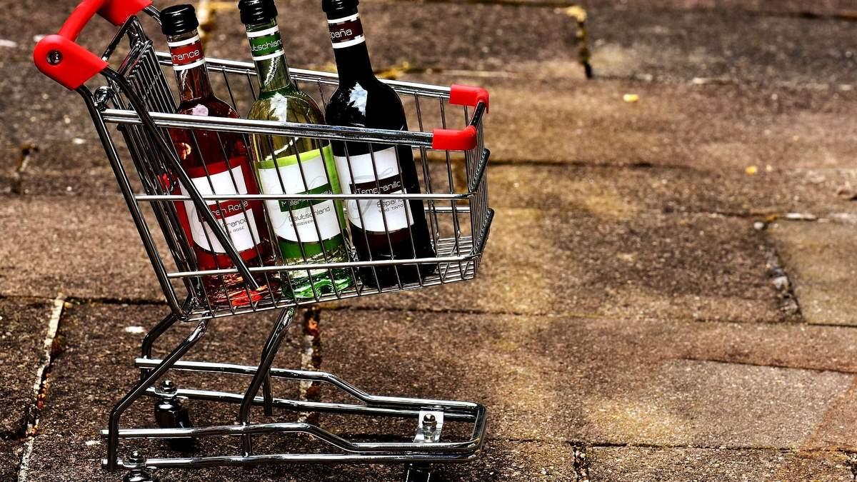 Алкоголь та цигарки можуть зникнути з полиць супермаркетів