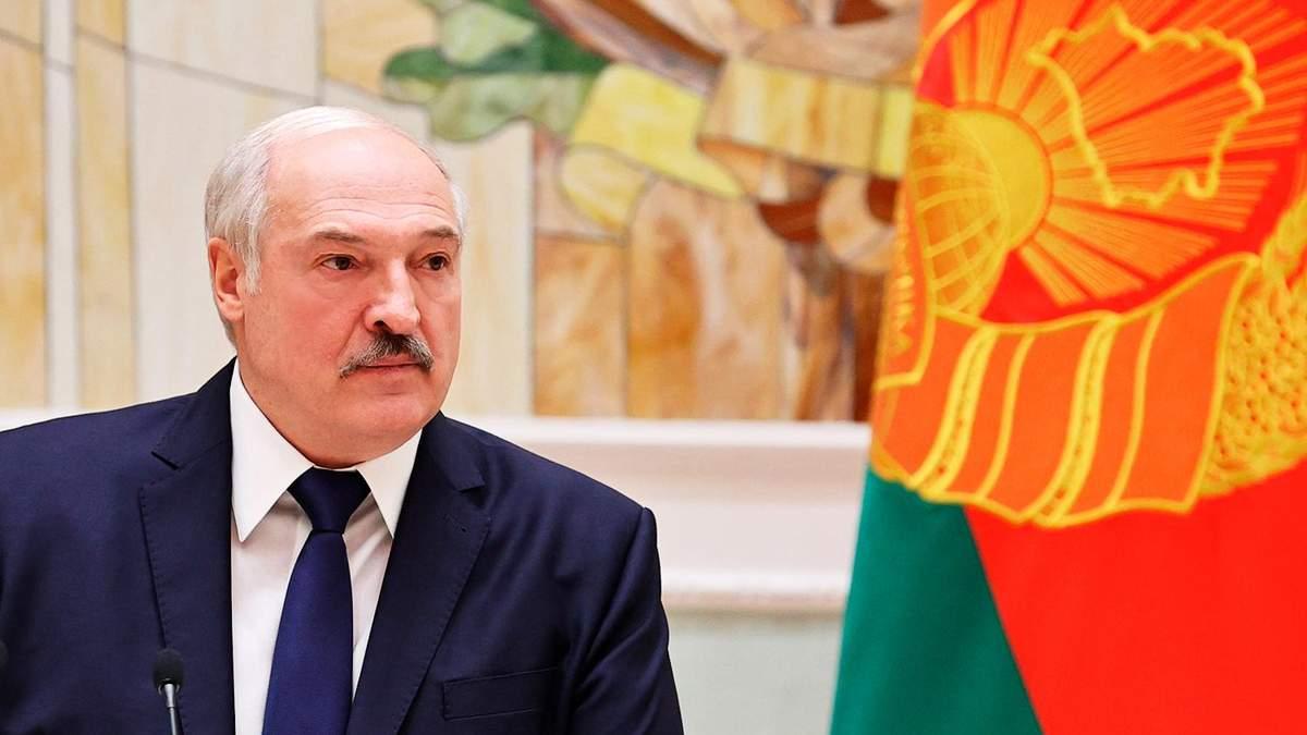 Я проти жінок не воюю, – Лукашенко назвав Тихановську мерзотницею