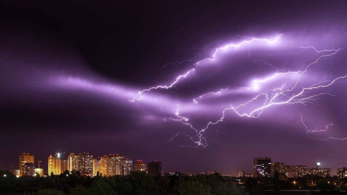 Украину ожидает гроза 31.07.2021: объявили штормовое предупреждение
