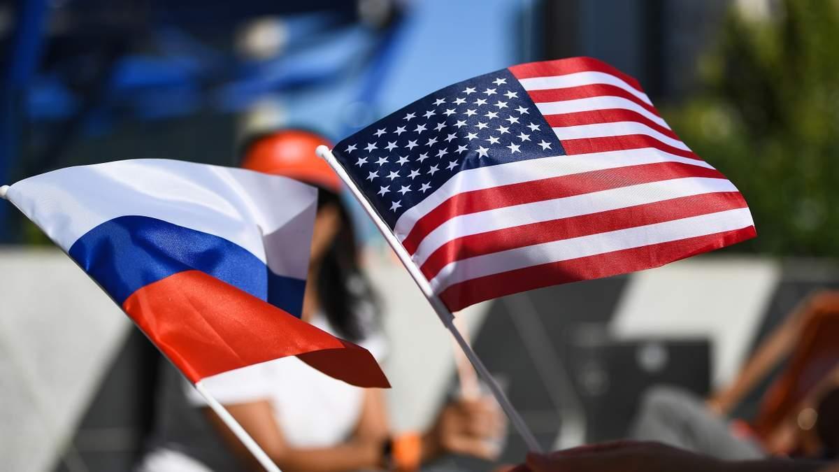 США уволят 182 работников дипломатических миссий за санкций России